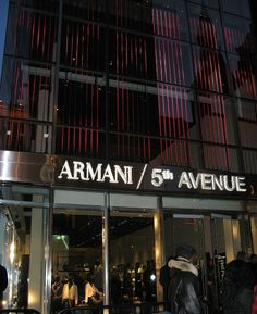 Armani5th-Avenue-Store-Opening.JPG (836×1024)