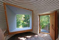 Construido en 2016 en Austria. Imagenes por Christine Leuthner. El concepto de una casa de té japonesa tradicional inspiró el proyecto situado en Baja Austria. El edificio fue diseñado como una interpretación...  http://www.plataformaarquitectura.cl/cl/869466/casa-de-te-riedenthal-a-lp-architektur?utm_medium=email&utm_source=Plataforma%20Arquitectura