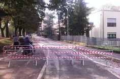 Sesto giorno di alluvione, qui a Parma. Note positive e tanto lavoro da fare in un quartiere disastrato.