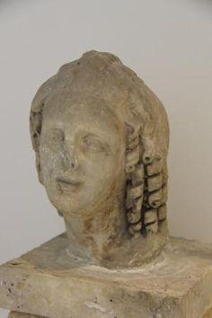 Woman's bust Museo Archeologico Provinciale Francesco Ribezzo  |  Piazza Duomo, 7, Brindisi, Ita