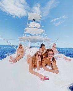 Cute Friend Pictures, Friend Photos, Summer Pictures, Beach Pictures, Summer Dream, Summer Fun, Boat Pics, Harry Potter, Beach Poses