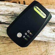 Bluetooth-GPS-Empfänger für Offroad-Navigation: Navilock BT-821G // Wir empfehlen in unseren Workshops aus gutem Grund einen externen GPS-Empfänger. Oder besser gesagt einen GNSS-Empfänger denn heutige Modelle beherrschen mehr Satellitennavigationssysteme als nur das amerikanische GPS. Leider wird unser bisheriger Favorit der GNS 2000 nicht mehr hergestellt. Es wurde Zeit einen neuen zu suchen und zu testen. Mit dem BT-821g fanden wir ein gutes Gerät. http://ift.tt/2xhNKTO…