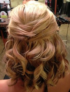 Love this thinking about doing this for my cousins wedding.