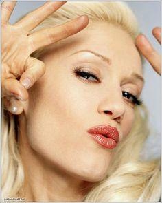 Gwen Stefani ☆ Pinterest: Crackpot Baby