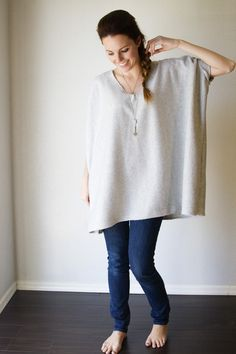If you are a fan of over-sized comfy clothes this 30 minute easy cozy top is for you - especially in the winter!
