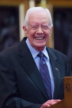 This Viral Video of Jimmy Carter on a Commercial Flight Will Give You Hope For America
