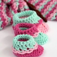Loopy Love Baby Booties