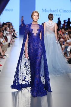 Couture Dress With A Trail Michael Cinco Gowns, Michael Cinco Couture, Blue Dresses, Prom Dresses, Formal Dresses, Victor Ramos, High Fashion Makeup, Blue Fashion, Couture Dresses
