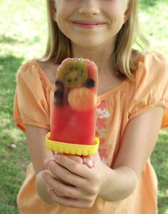 The Spunky Coconut: Watermelon Fruit Popsicles (refined sugar-free, all-natural) Sugar Free Desserts, Frozen Desserts, Gluten Free Desserts, Frozen Treats, Frozen Fruit, Vegan Desserts, Watermelon Ice Cream, Watermelon Fruit, Fruit Ice