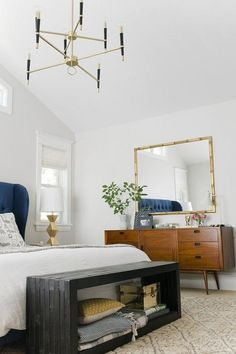 Trendy midcentury modern bedroom @pattonmelo