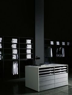 Made in Italy, project by Piero Lissoni for Porro: Cassettiera Isola chest of drawers. White Closet, Walk In Closet, Closet Space, Cupboard Storage, Closet Storage, Luxury Furniture, Furniture Design, Wardrobe Systems, Open Wardrobe