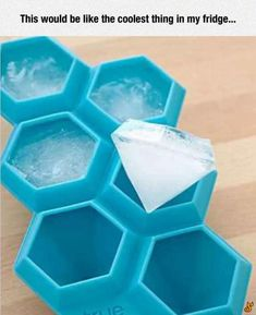 The Diamond Ice Cube Tray is a reusable silicone mold that creates ice cubes that look just like a girl's best friend. This 6 karat Diamond Ice Cube Tray speaks of a new kind of ice cubes you can use to beautify your drinks apart from chilling Cool Ideas, Ice Cube Trays, Ice Cubes, Diamond Ice, Diamond Party, 21 Things, Cheap Things, Things I Want, Cool Inventions
