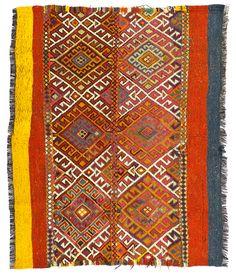 Kilim Patchwork rug, wire pendant light and concrete floors. Textiles, Textile Patterns, Textile Prints, Textile Art, Print Patterns, Textile Design, Wire Pendant Light, Turkish Design, Magic Carpet