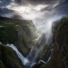 Vøringfossen waterfall 🍀 📷: @jkahilaphotography