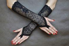 Handschuhe - Elegante Gothic Vampir viktorianischen fingerlose - ein Designerstück von SophieAndHerStore bei DaWanda