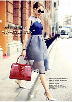 Ladies Handbags, Women's Handbags, Coin Purses, Purses And Bags, Bag Women, Bags 2017, Patent Leather Handbags, Modern Fashion, Crocodile