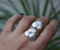 Çiçekli Gümüş Yüzük Modelleri