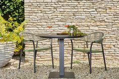 Mooie Matera tuinstoel van Suns. Deze stoel is voorzien van een rugleuning vervaardigd van rope en een zitting van SensoTex!
