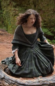 The green tartan dress - Caitriona's fave from the whole of season 1