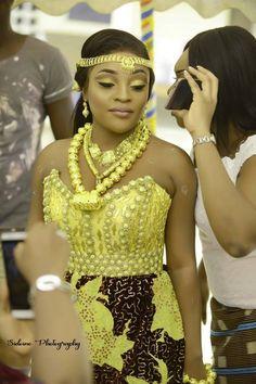 afrikanische hochzeiten Africaines a la mode Africaines ado Africaines cheveux court Africaines chic Africaines chignon # African Wedding Attire, African Attire, African Wear, African Women, African Traditional Wedding, Traditional Wedding Dresses, Traditional Outfits, African Dresses For Kids, African Fashion Dresses