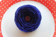 Broche fleur Coquelicot bleu marine