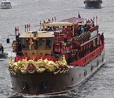 Royal Barge - Thames River Pageant