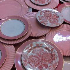 Peças rosas trazem delicadeza para sua mesa