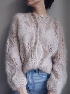 Lace Cardigan, Cardigan Pattern, Jumpsuit Pattern, Knit Fashion, Fashion Outfits, Knitwear Fashion, Fashion Fashion, Mohair Sweater, Hand Knitted Sweaters