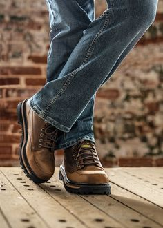 #mens #menscasuals #menscasual #casualshoes #menscasualshoes #casualstyle #mensstyle #supershoes #supershoesstores #fall #fallstyle #fallfootwear #shoesforhim Mens Fashion Casual Shoes, Casual Boots, Men Casual, Mens Style Guide, Style Men, Mens Skechers, Fall Shoes, Shoe Boots, Oxford Shoes
