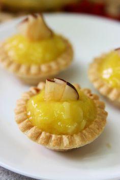Mango Cheesecake Tart Cheesecake Tarts, Mango Cheesecake, Mango Cake, Mango Recipes, Fruit Trees, Tango, Just Desserts, Madness, Cake Recipes