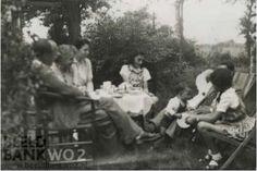yoursannefrank:  Anne in the middle in Beekbergen - 1941