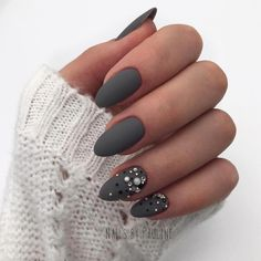Semi-permanent varnish, false nails, patches: which manicure to choose? - My Nails Black Nail Designs, Pretty Nail Designs, Nail Art Designs, Nails Design, Design Art, Design Ideas, Nagel Gel, Almond Nails, Matte Nails