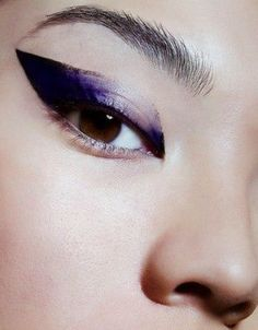 I adore this!!! It's like a watercolor cat eye...!