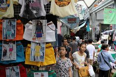 When it comes to shopping in Bangkok, you're not going to want to miss Pratunam market