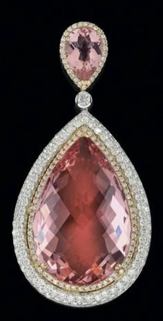 A brilliant and morganite pendant Rose-, white gold brilliants, total weight ct, 1 morganite ct, g Pearl Jewelry, Antique Jewelry, Vintage Jewelry, Jewelry Necklaces, Jewlery, Pink Pendants, Pink Bling, Pink Topaz, Gems And Minerals