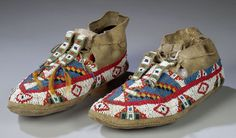American Indian Beading Patterns | home auctions catalog sioux beaded hide men s moccasins