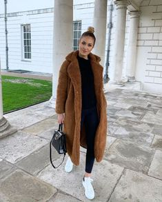 winter outfits new york Excellent Winter Women - winteroutfits Winter Outfits For Teen Girls, Winter Coat Outfits, Warm Outfits, Winter Fashion Outfits, Mode Outfits, Look Fashion, Stylish Outfits, Autumn Winter Fashion, Fall Fashion