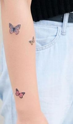 butterfly tattoos for you to inspire - Illusion Dose Mini Tattoos, Ems Tattoos, Dainty Tattoos, Tatuajes Tattoos, Cute Small Tattoos, Little Tattoos, Pretty Tattoos, Beautiful Tattoos, Body Art Tattoos