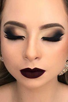 Smokey Eye Makeup Ideas For a Super Sexy Look ★ See more: http://glaminati.com/sexy-smokey-eye-makeup/
