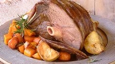 Classic Roast Lamb & Vegetables, made in a KNORR Cook-In-Bag! A truly sumptuous feast for a festive Christmas dinner, and a great alternative to turkey or gammon. Lamb Roast Recipe, Roast Lamb, Roast Recipes, Lamb Dinner, Roast Dinner, Sunday Roast, Dinner Entrees, Dinner Recipes, Dinner Dishes