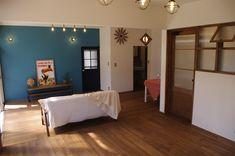 古くて新しくて、とびきり可愛い平屋。 - 物件ファン Bathtub, Flat, Interior, House, Furniture, Home Decor, Standing Bath, Bathtubs, Bass