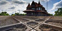 DURAND , Michigan USA - Railway junction and UNION station - Bing images    -  Queen Anne Style architecture