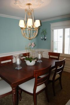 wythe blue walls & British classics dining room furniture (table exact npmatch to mine; chairs lower style than mine)