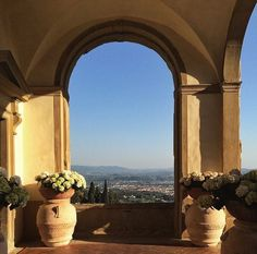 Our gorgeous entrance overlooking Florence and the rolling hills of Tuscany, captured by @ScooteromaTours