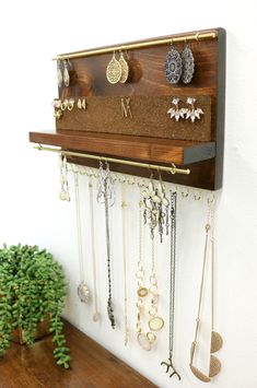 Jewelry organizer with shelf, necklace holder, stud earring and dangle earring holder . - Jewelery organizer with shelf, necklace holder, stud earring and dangle earring holder – Jewelery - Diy Jewelry Unique, Diy Jewelry To Sell, Jewelry Crafts, Jewelry Making, Vintage Jewelry, Custom Jewelry, Jewellery Storage, Jewellery Display, Jewellery Exhibition