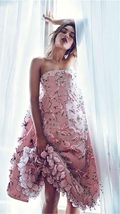 I'll take this, please! Christian Dior #fashion #art #flowers