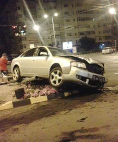 Accident in centrul Focsaniului Audi, Car, Automobile, Autos, Cars