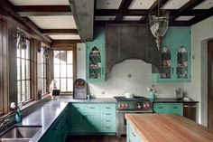 Inside a Southern Home Inspired by an English Abbey: Jeffrey Dungan (architect) Kitchen Hoods, Kitchen Tile, Kitchen And Bath, Home Design, Kitchen Interior Inspiration, Kitchen Butlers Pantry, Butler Pantry, Leaded Glass, Cabinet Doors