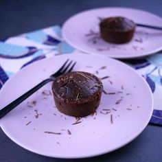 Fluffy with super light chocolate (without butter or sugar) - Food Drinks Dessert Light, Light Dessert Recipes, Dessert Bowls, No Bake Desserts, Light Recipes, Brownie Recipes, Cake Recipes, Sin Gluten, Cakes Without Butter