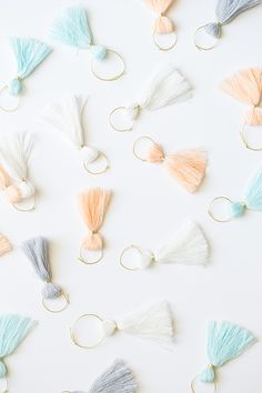 Add a little charm (and minimize wine glass mix-ups) to your next girls' night. Loving this adorable tassel DIY!